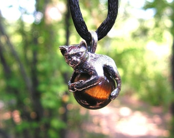 Sterling Silver Cat Pendant With Tiger Eye
