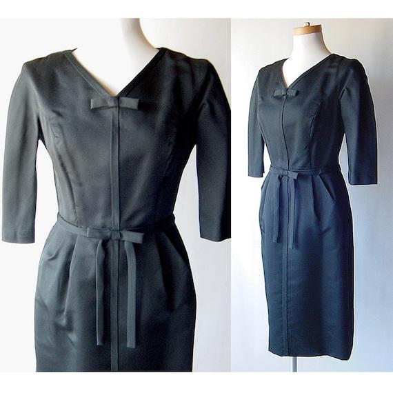 Mod Black Taffeta Fitted Dress . Bows . M