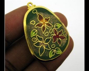 Only 5 in stock-1 Vintage Enamel Flower Pendant- No 4