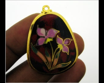 Only 4 in stock-1 Vintage Enamel Flower Pendant- No 2