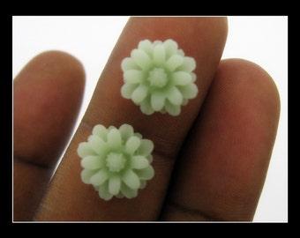 10 12mm  Light Green or Jade Chrysanthemum  Flower Cabochons