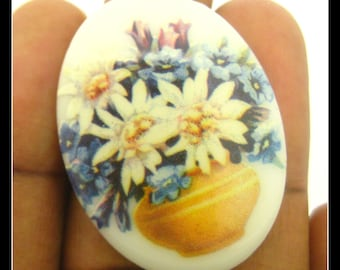 Only 9 left-1 Vintage 40x30 Floral Cameo