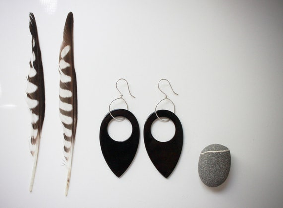 Black & silver bold onyx earrings / handmade small sterling silver wire hoop / shiny black onyx teardrop gemstone / BLACK STEALTH