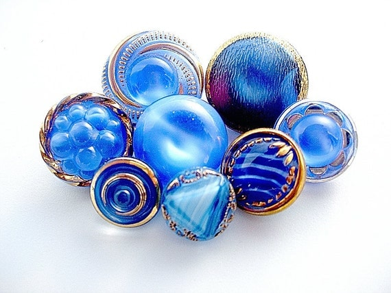 Lovely Lot of Various Vintage Blue Moon Glow Glass Buttons
