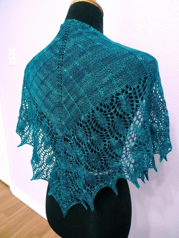Peacock Knitting Pattern : Items similar to Peacock Shawlette - Knitting Pattern PDF on Etsy