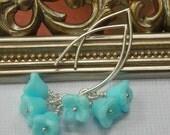 Blue flower bead earrings