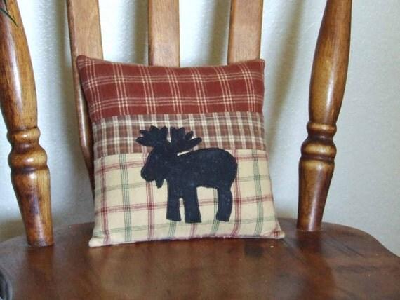 Moose pillow. Brushed Homespun Fabric pillow. Northwest pillow. pillow
