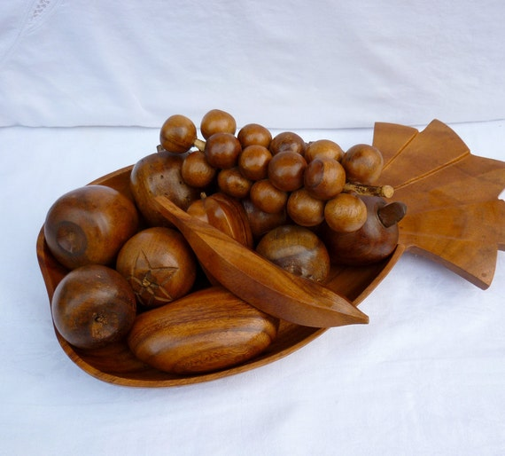 Vintage Monkey Pod Wood Fruit and Pineapple Bowl by maggieorileys