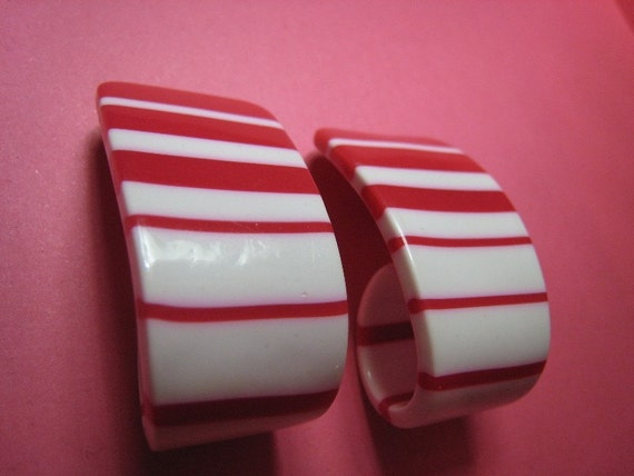 Christmas Candy Cane 1960s Mod Vintage Red White Stripes Lucite Earrings