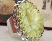 Vintage Ornate Cabachon Floral Rose Ring