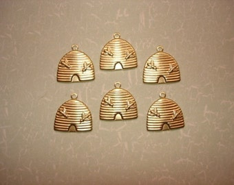 Bee Hive Bee, Bee Skep Basket, Medieval Brass Charms, Quantity Choice