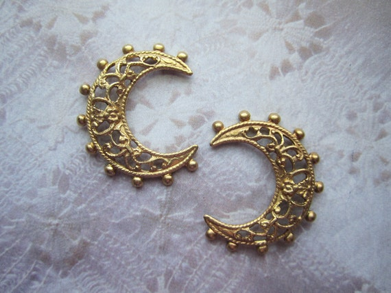 Crescent Moon Filigree Beaded Edge Brass Stampings/Jewelry Supplies on Etsy x 2