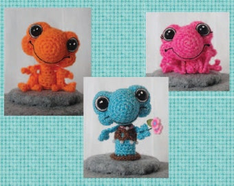 Digital PDF Miniature Frog Crochet Pattern in TWO sizes  Sinker Babies Series