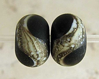 Glass Lampwork Handmade Bead Pair for a Frosted Finish 11x7mm Black Velvet Etched