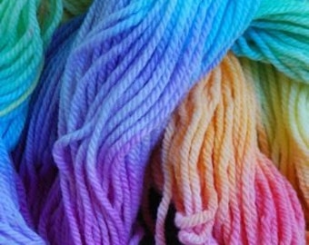 hand painted pure wool in rainbow colours......16ply 50gms/1.76oz