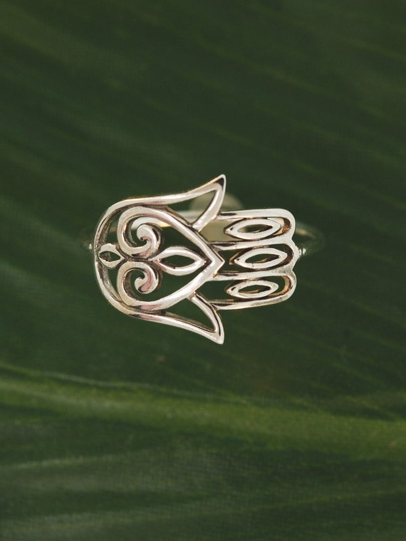 SALE Hamsa Heart Filigree Ring