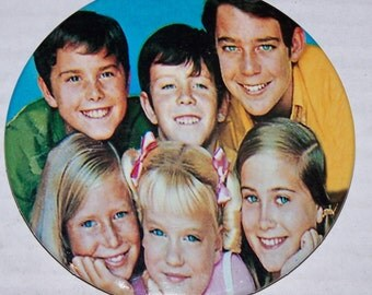 Custom 1970s BRADY BUNCH 3.5 inch pinback button, refrigerator magnet, standee.... 3 DISPLAYS in one