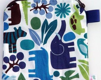 X Small 6.5 x 6.5 Wet bag / Reusable Snack Bag / Toys / Electronics / Alexander Henry Blue 2D Zoo / SEALED SEAMS