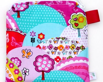 X Small 6.5 x 6.5 Wet bag / Reusable Snack Bag / Toys / Electronics / Michael Miller Happy Hills Fabric / SEALED SEAMS