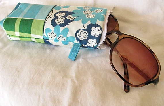 Sunglasses Eyeglass case, (padded) zipper pouch :  Blue green Plaid and leaves. -Ready to Ship SALE