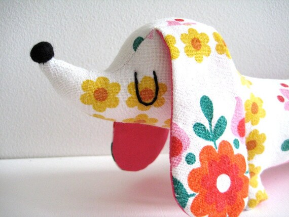 Mini Dachshund - Vintage 60s Yellow Folk Floral
