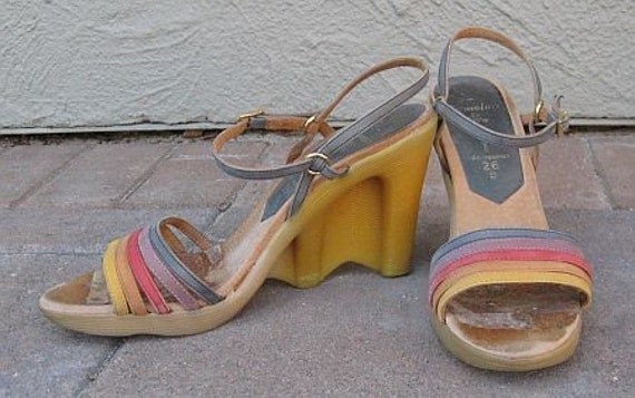 SALE Vintage 70s Famolare Be-Hi Strapy Wavy Wedge Sandals 9.5N