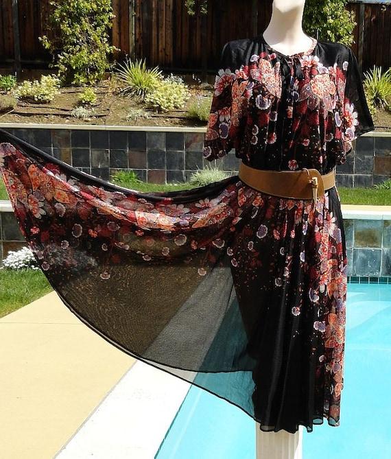 Vintage 70s Semi Sheer Floral Full Skirt Dress w Keyhole Neckline sz 18 B44