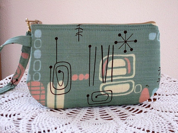 Wristlet Zipper Gadget Pouch Purse Boomerang Beat in Sage for Carol