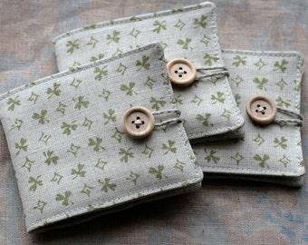 Small Linen Needle Book - green