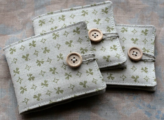 Small Linen Needle Book - green