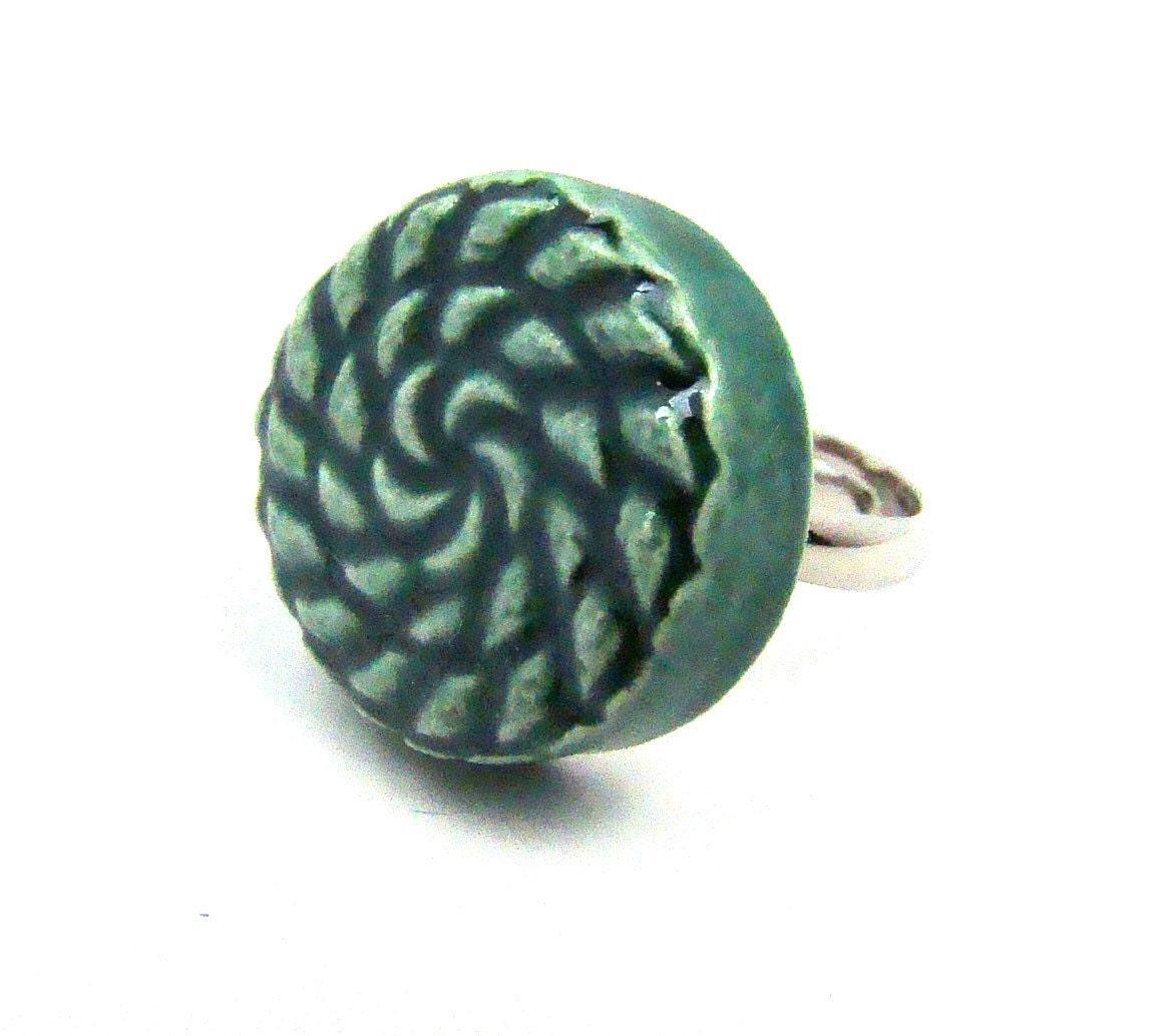 emerald green ring adjustable ceramic pinwheel