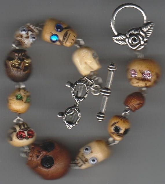 Glitter Skull Eyes Strand Bracelet