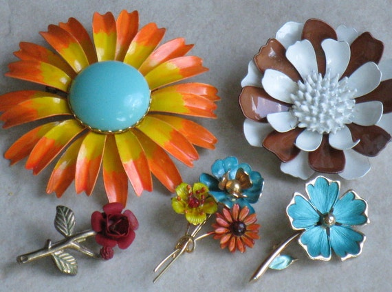 Destash Vintage Lot of 5 Metal and Enamel Flower Brooches, Circa 1960s and 1970s