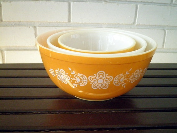 Vintage Pyrex Golden Butterfly Nesting Bowl Set of 3, Circa 1970s