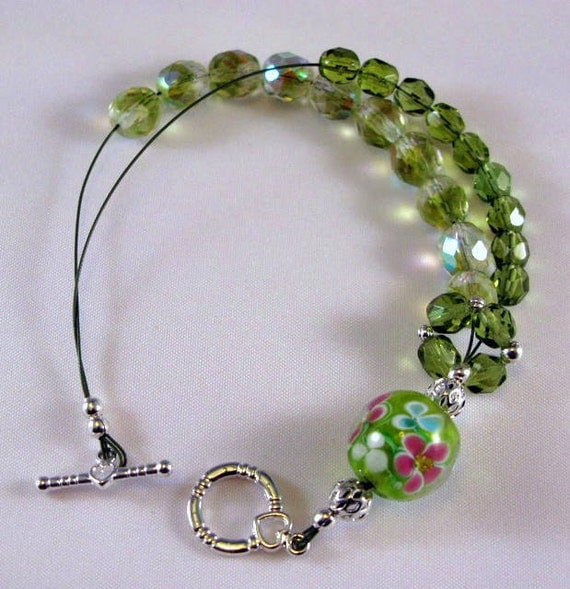 Peridot Green Abacus Row Counting Bracelet For Knitting and Crochet -  Pretty In Peridot - Item No. 652