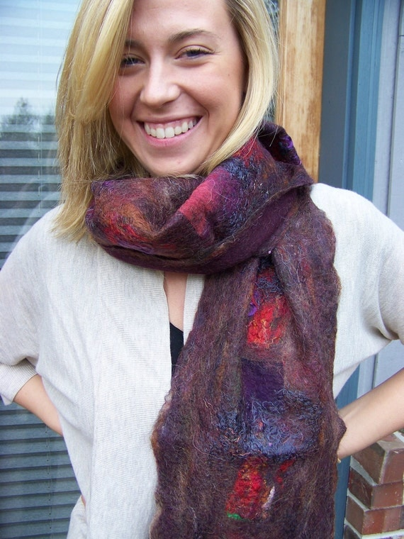 No.25 Deep plum wool felted scarf