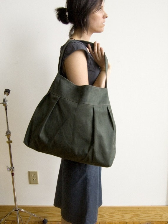 The market bag in sage and tan