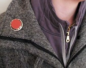 Ping pong brooch (one)
