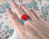Red and Turquoise Ring, Enamel Flower Ring, Chrysanthemum Cabochon Ring, Filigree Victorian Ring,  Retro Aqua and Red Ring