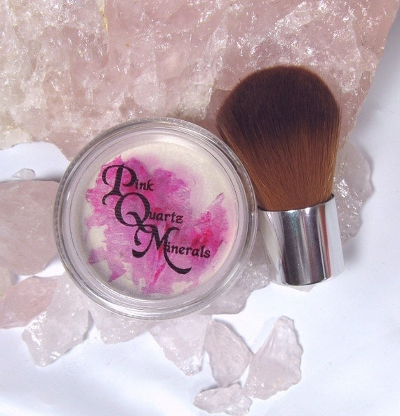 Translucent Veil Medium Size Create Optical Illusion Minimize Lines Setting Powder with Vegan Baby Kabuki Pink Quartz Minerals