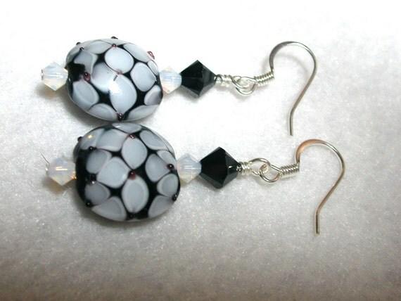 Black earrings White Earrings Lampwork Swarovski Crystal in Silver