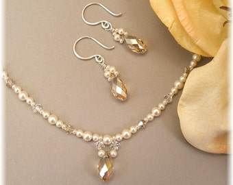 Delicate Bridal Necklace and Earring Set, Golden Weddings,  Delicate Necklaces, Ivory Weddings