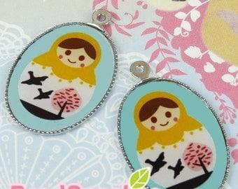 CH-LU-01088 - (New and Exclusive) Matryoshka Doll oval cameo charm, Matryoshka Cameo pendant - Ms Yellow Head  - Special Edition, 2pcs