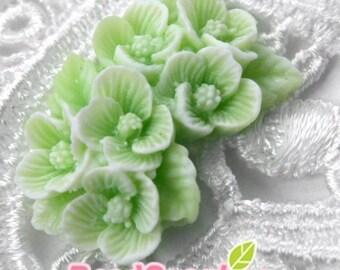 CA-CA-03607 - Duo Tone Mint Green flower bonquet Cabochon  - 2pcs