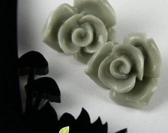 CA-CA-10113- (New and Unique) 3D Rose, Grey, 2 pcs