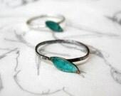 Single Leaf Stack Ring Oxidized