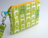 Zippered Wristlet with Detachable Wrist Strap-Tufted Tweets in Green
