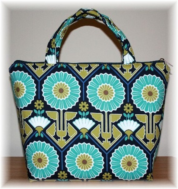 Insulated Zipper Closure Lunch Bag / Tote Blue Floral