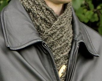 PDF Diamond Lattice Neckwarmer CROCHET PATTERN