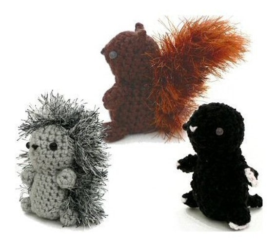 Fuzzy Feet Works: Adrian the Squirrel Free Pattern